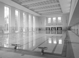 Schwimmhalle Finckensteinallee